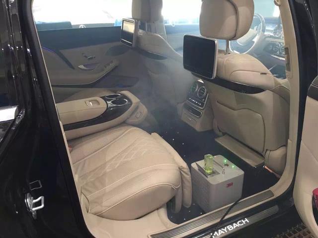车内空气净化器